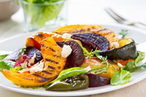 Carbassa a la brasa amb verdures